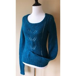 Decree Cabled Scoop Neck Knit Pullover Sweater